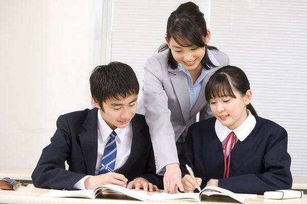 日吉の塾なら高校受験に強い【田島学習教室】!受験対策のカリキュラムをご用意~個別指導と集団指導で異なるメリット~サムネイル