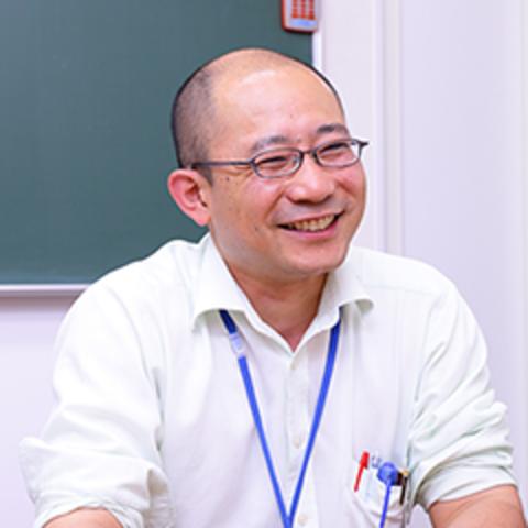 加藤 研悟  室長